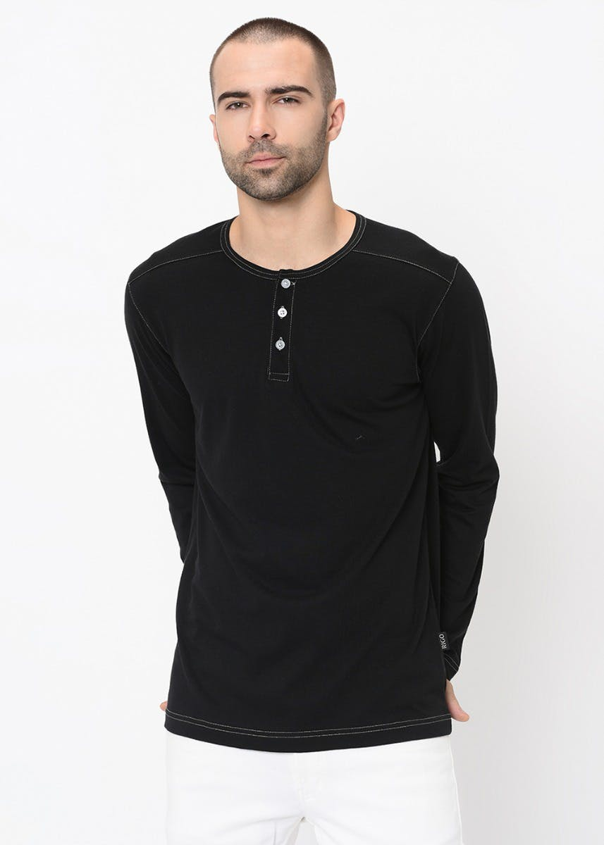 Contrast Stitch Solid Henley Neck T-Shirt